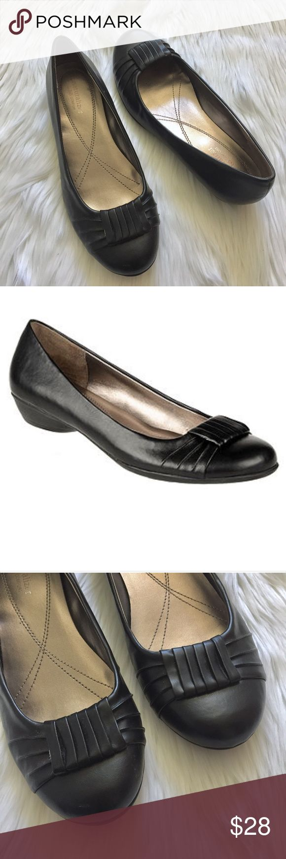 "Naturalizer Hollie Black Ballet Flats Comfortable faux leather loafer ballet shoes with a slight heel (3/4"".) Cute pleated bow detail over toe. Very little wear. ▪️Size 8M ▪️Style name Hollie Naturalizer Shoes Flats & Loafers"