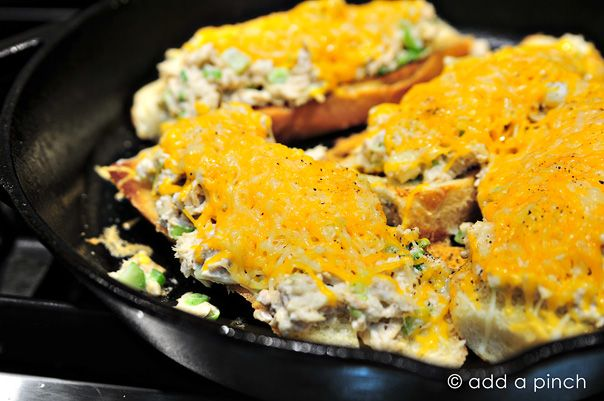 Jalapeno Tuna Melts make a delicious quick-fix lunch or supper from @addapinch | Robyn Stone: Fun Recipes, Extra Special, Jalapeno Tuna, Tuna Melts, Delicious Quick Fix, Quick Fix Lunch, Robyn Stone, Favorite Meals