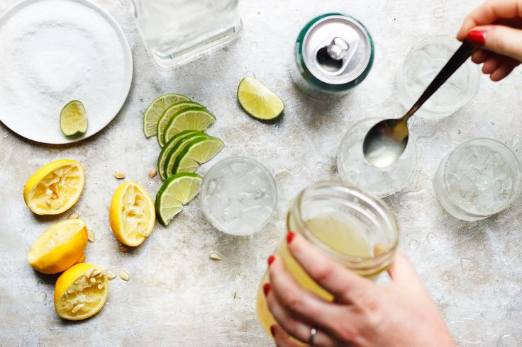 Naturally Sweetened Sparkling Ginger Margarita | Naturally sweetened with stevia margarita. A margarita without sugar, low in calories and sparkling. A skinny sparkling ginger margarita.
