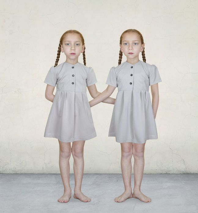 Sasha and Ruby. Loretta Lux, 2008.