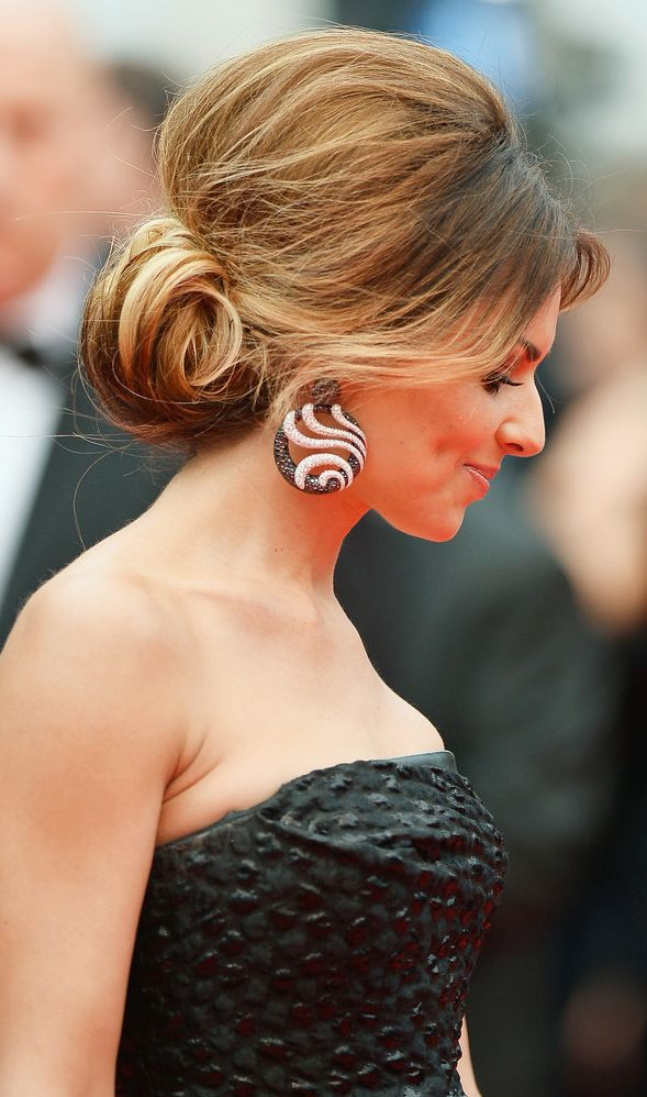 Cheryl Cole in a Retro Round Volume Updo  #Hairstyle #Cannes2014 #hair #style