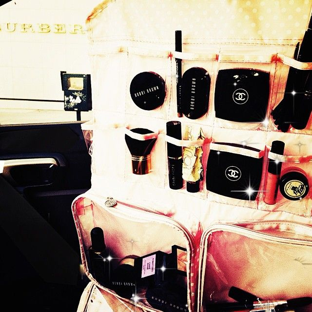 Forget texting while driving, applying make-up while driving is the real issue…