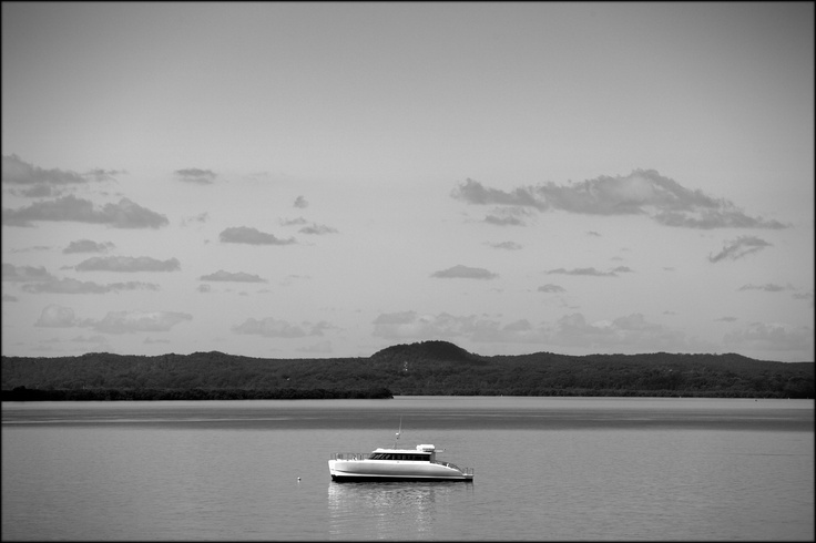 Redland Bay, Queensland, Australia.  © Paul Salmon.