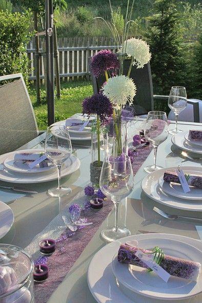 ber ideen zu lila tisch auf pinterest lila tischgedeck lila hochzeitsdekorationen. Black Bedroom Furniture Sets. Home Design Ideas