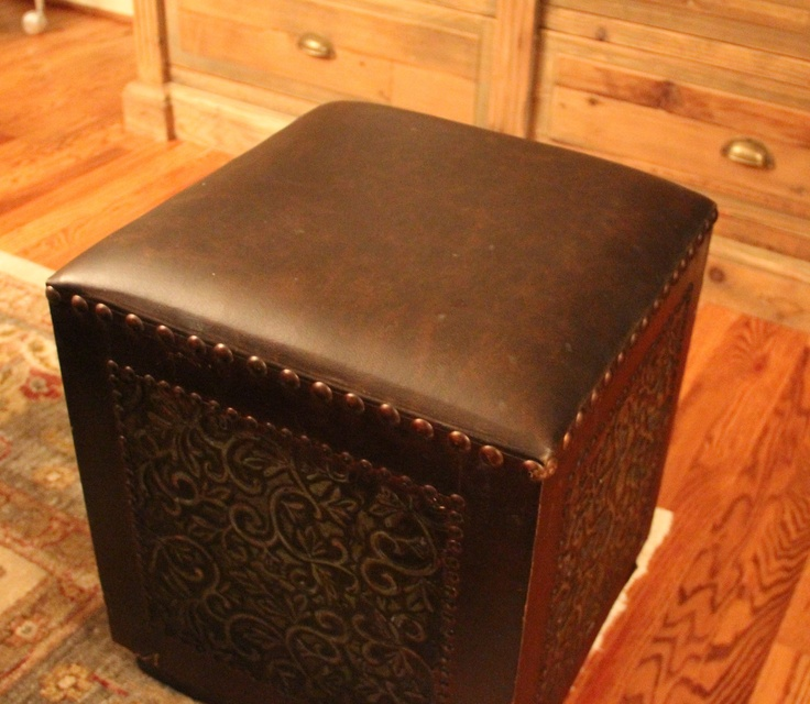 Leather Ottoman with Metal Siding $39 - Richardson http://furnishly.com/catalog/product/view/id/1068/s/leather-ottoman-with-metal-siding/Decor Pics, Dallas Lists, Leather Ottoman, Side 39, Metals Side