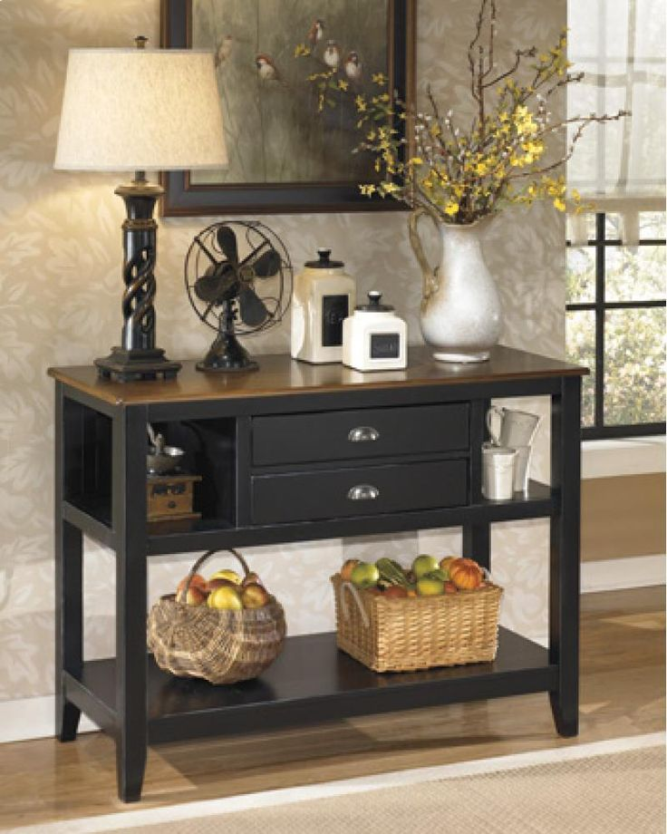 D58059 by Ashley Furniture in Winnipeg, MB - Dining Room Server