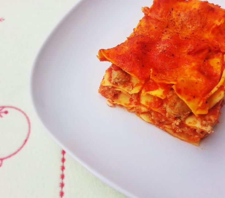 Lasagna napoletana http://www.lovecooking.it/primi-piatti-e-risotti/lasagna-napoletana/