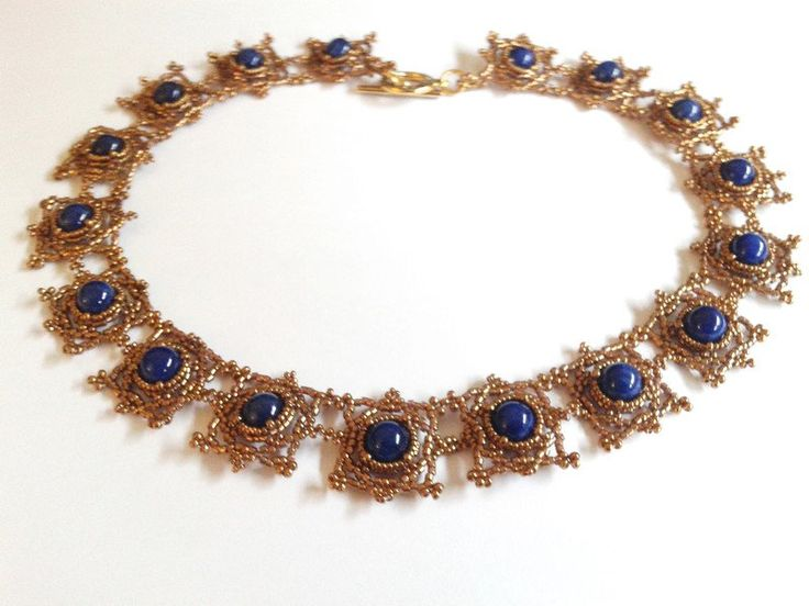 Giada - girocollo perline e giada blu, schema Lippert - un prodotto unico di tizianat su DaWanda