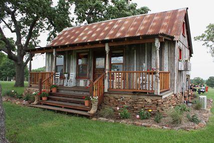 Tiny custom houses from 99% salvaged materials originally destined for a landfill. Delightful!: Tiny Homes, Idea, Dream, Texas House, Tiny Houses, Tiny Texas, Small House