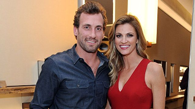 "Erin Andrews made her first public appearance after her boyfriend, L.A. Kings center Jarret Stoll, was arrested on Friday for drug possession. During Monday's episode of Dancing with the Stars, some viewers insinuated that the co-host sent Stoll a subtle dig after the spring break-themed dance performed by Hunger Games actress Willow Shields. Andrews asked Shields what she does on spring break, to which the 14-year-old actress replied, ""I literally just sit at home and watch movies all…"