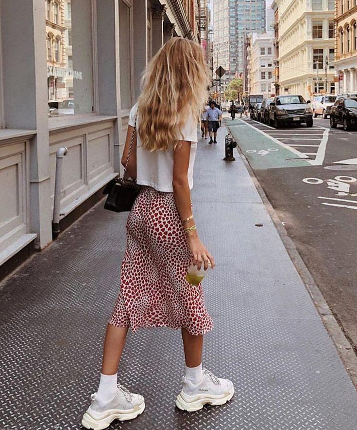 Mafia-Öffentlicher Garten • vor 29 Jahren, 2018 um 8:13 UTC Straßenstil, Streetfashion, bester Straßenstil, OOTD, OOTD-Inspo, Streetstyle-Stalking, Outfit-Ideen, was jetzt zu tragen ist, Modeblogger, Stil, Saisonstil Outfit-Inspiration, Trends, Looks, Outfits, Damenmode, Fashion-Tipps, Workout-Outfits, Retro-Mode, Festival-Looks, Date-Night-Outfits, Stylingtipps, Kleider, kleine schwarze Kleider, New York-Mode, lässige Outfits, smart casual, Damenstil und Trends. – What Makes Us Girls