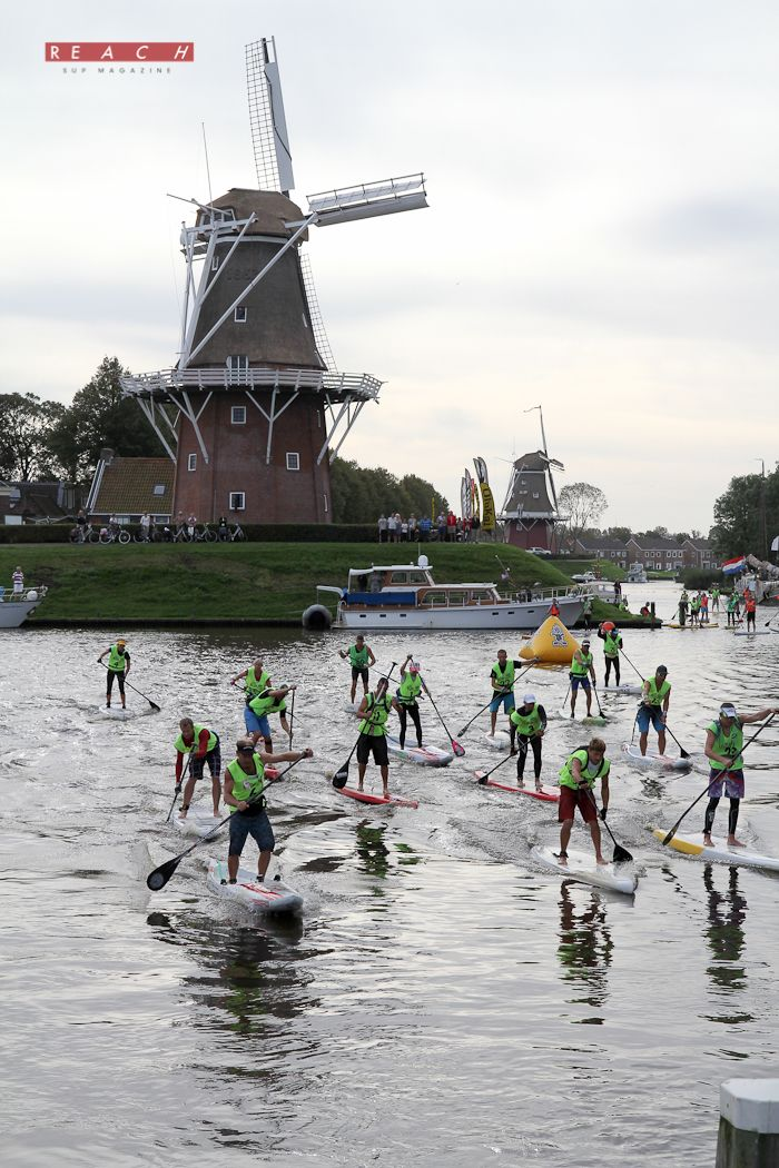 Sup in Dokkum - 11 city stand-up paddle in Holland