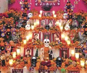 la madrina, muertos   Tradicional altar de Día de Muertos. Foto: El Sol de Hidalgo.