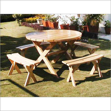 Round Wooden Garden Table Sets