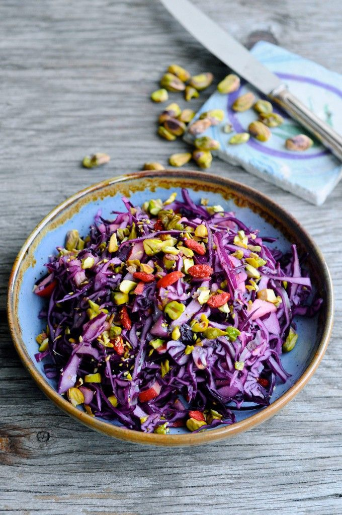 Red cabbage with ginger and goji berries