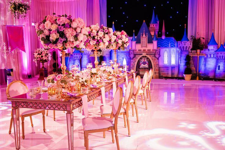 200 best disney wedding images on pinterest disney for Sleeping beauty wedding table