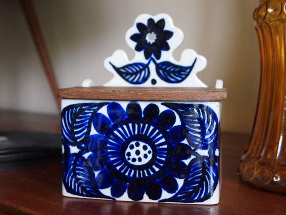 Vintage Arabia Finland Köökki Cobalt blue salt box - floral mid century