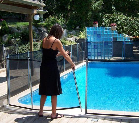 BABYSECUR fabrica las vallas para piscina de mayor seguridad para bebes, niños y mascotas. Instalacion en toda España de nuestros cercos de proteccion de pileta