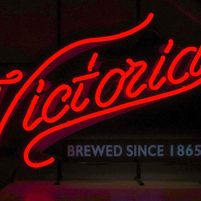neon arrow sign bar open pub light beer x15