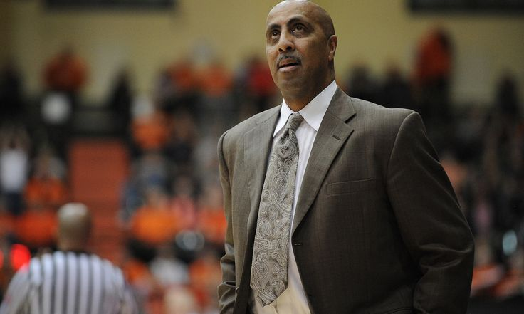 Washington's Lorenzo Romar Could Be Feeling the Heat = Stevie Thompson Jr.'s dramatic buzzer beater that gave Oregon State an 82-81 win over Washington on Wednesday night did two things.  It helped OSU's NCAA Tournament cause, as the Beavers are now ranked No. 31 in.....