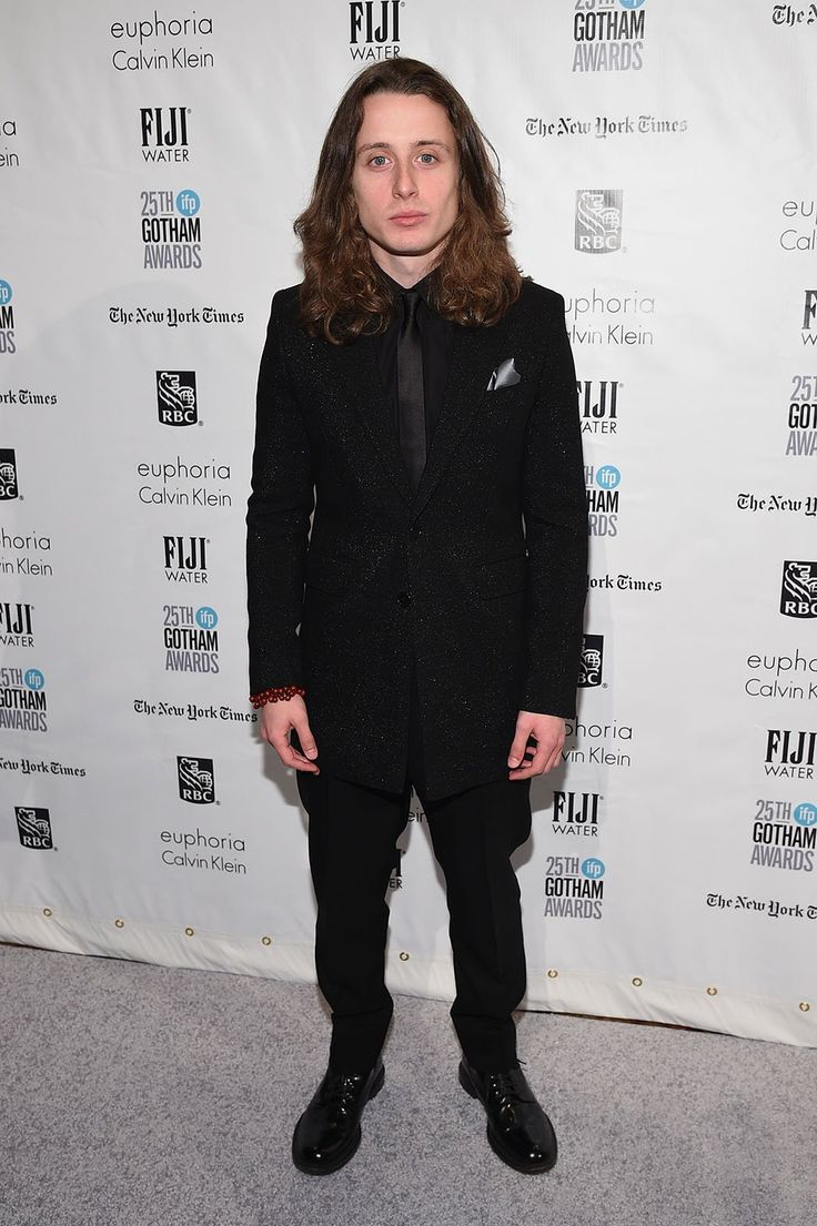 Rory Culkin fine black suit (and of course, the hair!!)