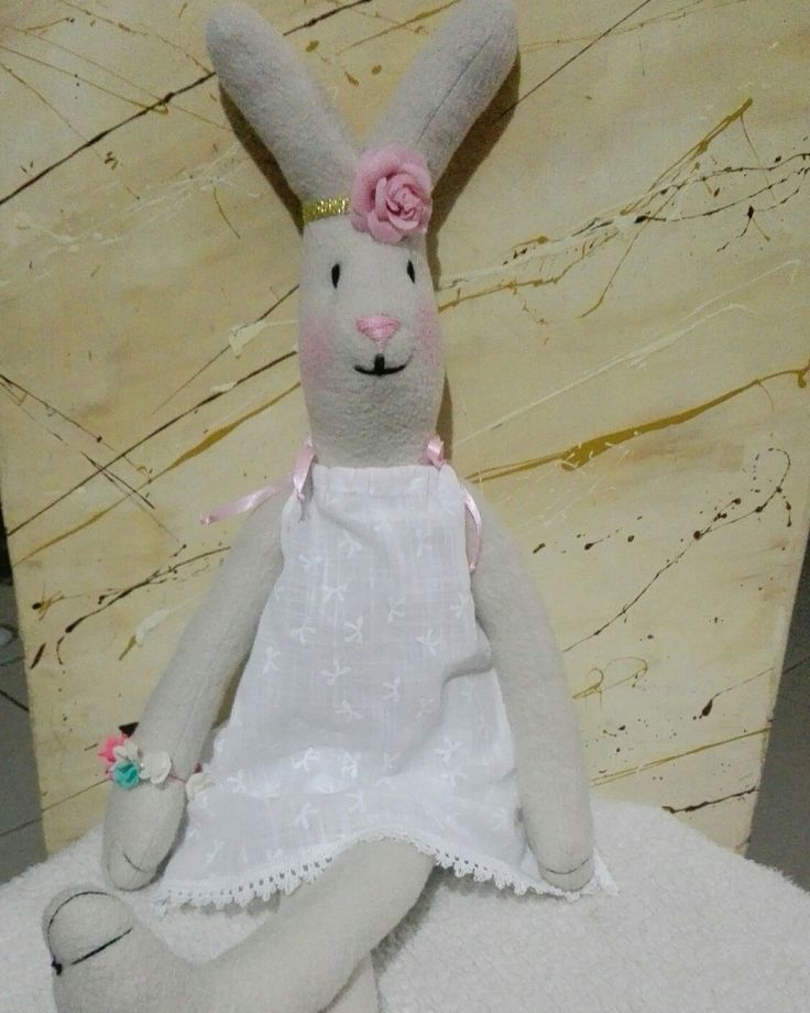 Hermosos Conejos hechos a  mano ❤ se visten.a elección por encargo , se entregan en 3 días , envíos a toda colombia . Wp 3116385442