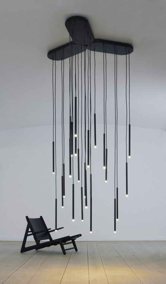 Array can be used as a single unit or arrange two or more in multiple formations. The Ceiling plates can be linked together and form Array as a contemporary lighting centre piece or as a room divider.