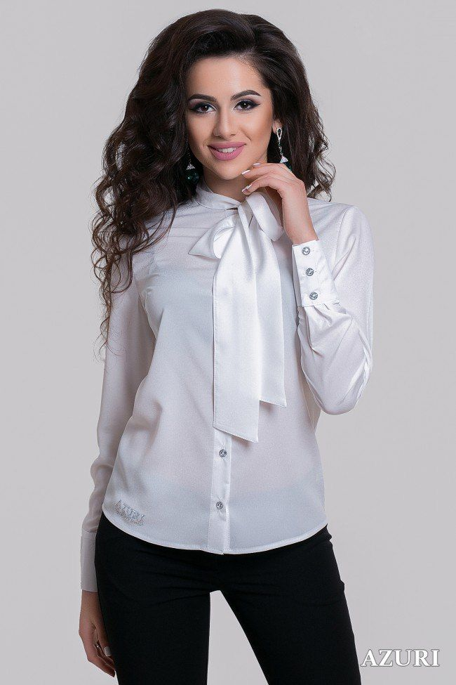 Блузка с бантом на воротнике Blouse with a bow on the collar