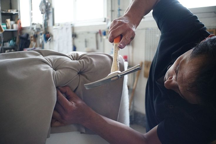 Come nasce un divano artigianale
