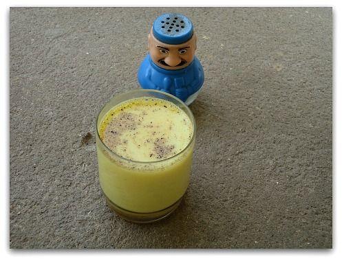 wildturmeric: 7 Amazing Health Benefits of Turmeric Milk for Health & Skin + Recipe