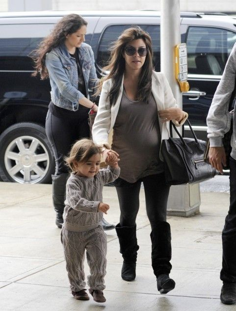 Kourtney in a Pencey blazer, 291 from Venice, Ca t-shirt, Donna ...