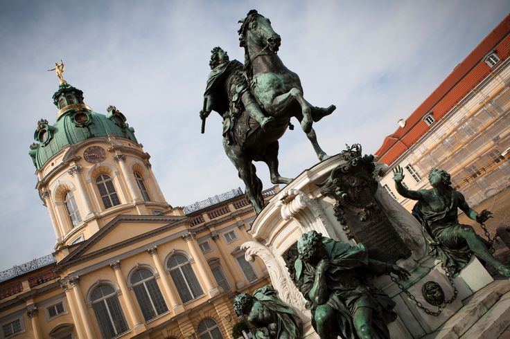 """Yellow Tour - Stop no.17: Charlottenburg Palace or """"Schloss Charlottenburg"""". It is surrounded by a unique baroque garden that transitions into a landscape park, enchanting visitors with diverse architecture. Find here more information!"""