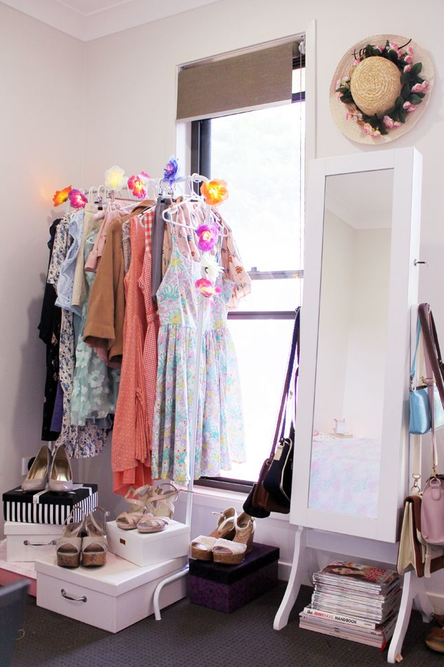 How to decorate your room on a budget and store your pretties in style!