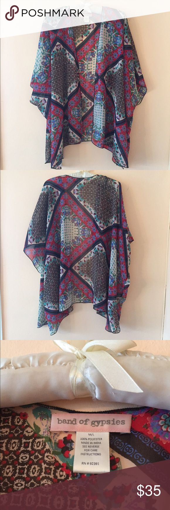 NWOT Band of Gypsies Printed Kimono Top Large Beautiful, perfect condition, no flaws, NWOT kimono Wrap Cardigan from Band Gypsies, will also fit XL size as it is generously oversized, label shows size M/L Band of Gypsies Swim Coverups