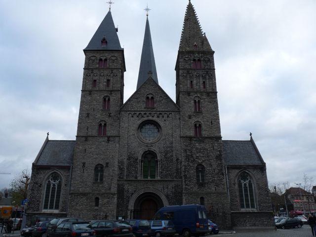 De Sint-Jacobskerk was in de middeleeuwen de kerk van de pelgrims. In haar buurt bevond zich een herberg voor bedevaartgangers op weg naar ...