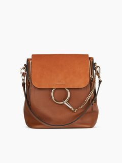 Discover Faye Backpack and shop online on CHLOE Official Website. 3S1192HEU