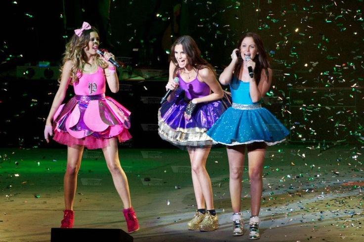 Natasha Dupeyron, Eme15, Macarena Achaga Figueroa, Paulina Goto
