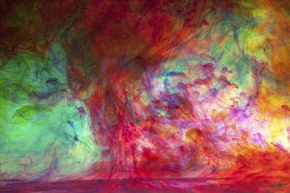 Traumdeutung: Farben im Traum Die Farben im Traum haben eine äußerst vielschichtige Bedeutung und es ist von besonderer Wichtigkeit, wenn eine bestimmte Farbe in Ihrem Traum vorherrscht