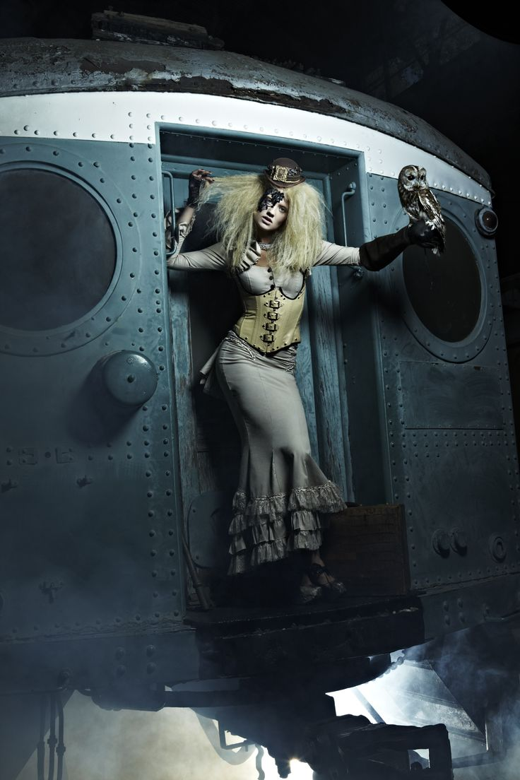10 best images about antm 19 college edition on pinterest random acts male models and the - Steampunk mobel ...