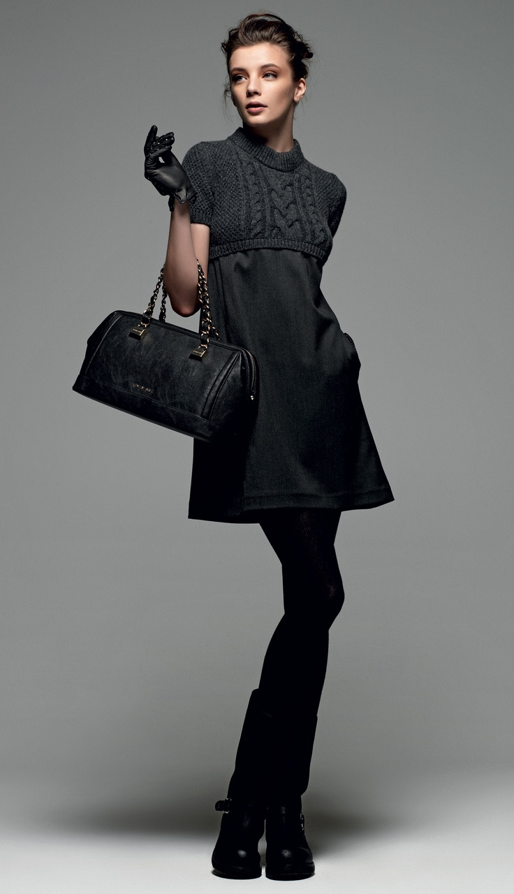 "TWIN-SET Simona Barbieri: ""The winter sea"": short-sleeved trapezoid dress, box bag leatherette with double chain handle and biker boot with strap."