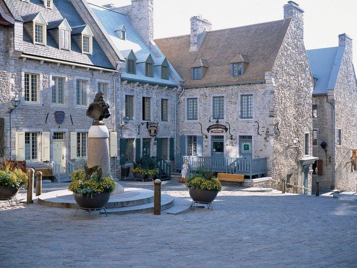 It all began in place Royale, the birthplace of French civilization in North America. http://www.quebecregion.com/en/quebec-city-and-area/promenades-and-public-squares?a=vis // C'est à place Royale que naquit la civilisation française en Amérique du Nord. http://www.quebecregion.com/fr/region-quebec/promenades-et-places?a=vis #architecture #quebec #unesco #travel #histoire #history Photo: Claudel Huot