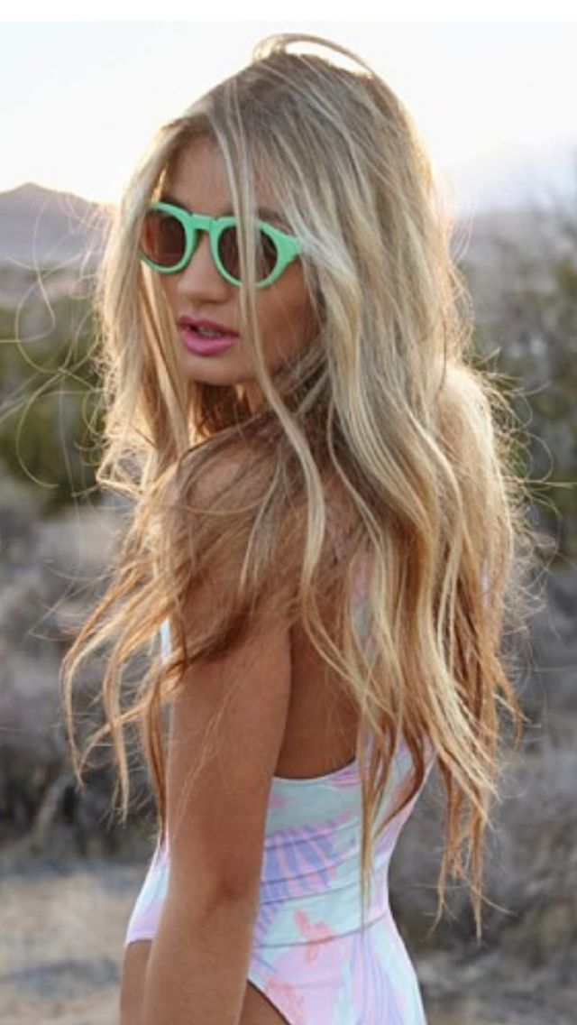 Oh my gosh, to have this hair... All I have to do is let mine grow. It's a good thing I'm EXTREMELY impatient... Argh