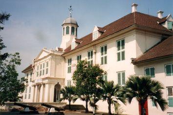 Indonesia,  Dutch colonial heritage           Rendezvous Batavia       drs Dirk Teeuwen MSc