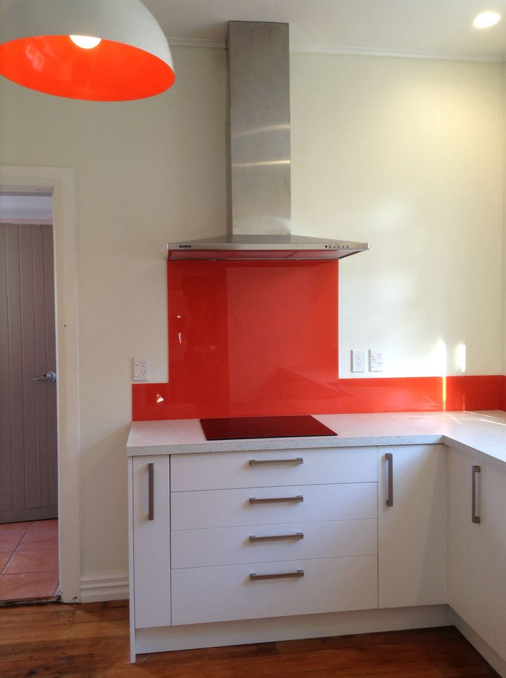 The kitchen Reno is now complete. Glass splash back from Colorit painted in resene daredevil. Just loving it!