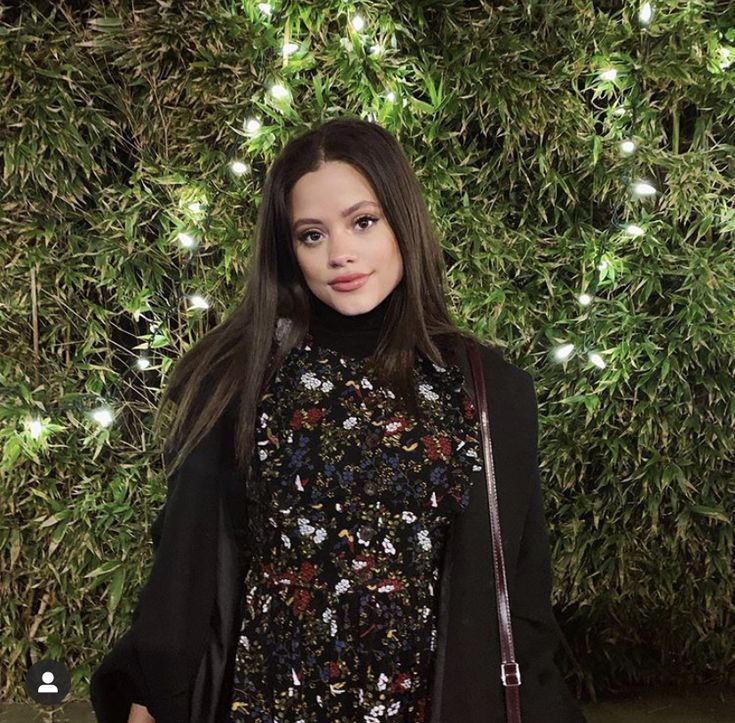 Pin de Princess🧡🧡 Angel Rose🧡 em —favs em 2020 Descendentes