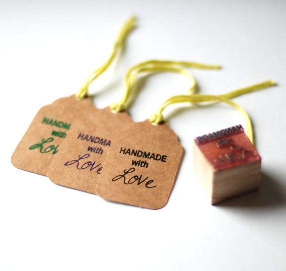 Dieses Angebot gilt für benutzerdefinierte Hochzeit Monogramm Stempel montiert auf Holz-Block - Blätter und Zweige. Senden Sie mir Ihre Briefe und Datum (optional) und Sie erhalten eine personalisierte Briefmarke, die Sie nutzen könnten, für Einladungen, Geschenkboxen, Gefälligkeiten, Umschläge, Tags, Karten oder überall, das Sie wünschen. Es ist möglich, auch andere Größen Marken - bestellen https://www.etsy.com/shop/ILikeStamps?section_id=13645917  Vor dem senden, dass ich alle Briefmarken…
