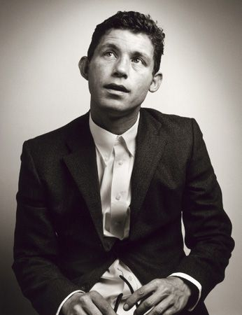 Lee Evans is an absolute legend! Seeing him live would definitely be one to check off my bucket list!