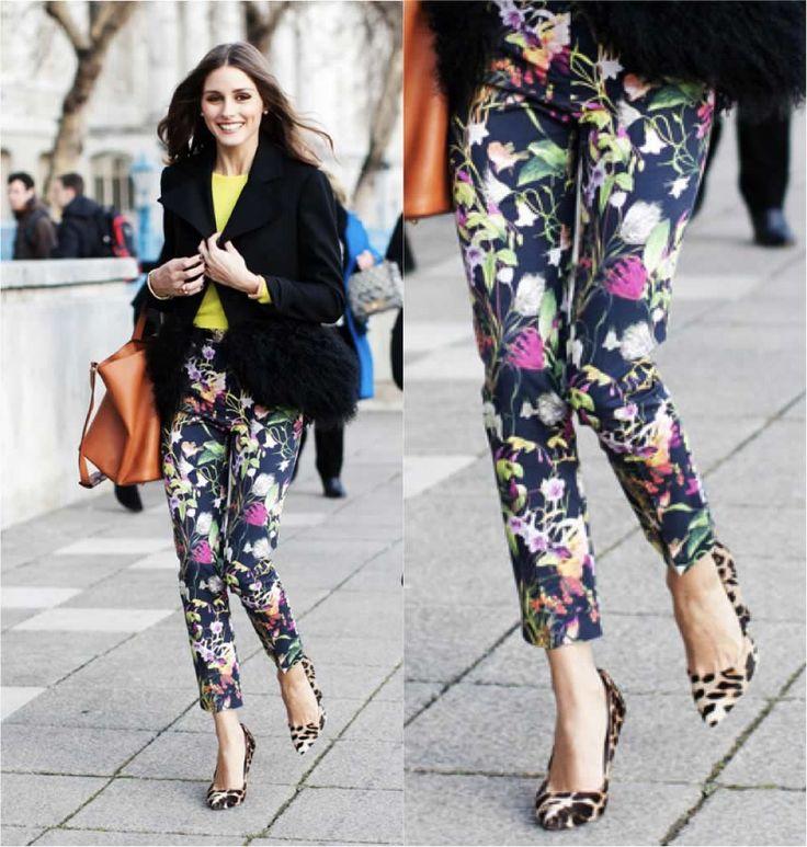 looks com calça estampada floral azul - Pesquisa Google