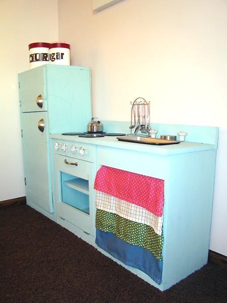 Kid Kitchens Kitchen Cabinet Repair Diy Playhouse All The Babes Decoracion Infantil Juguetes Ninos