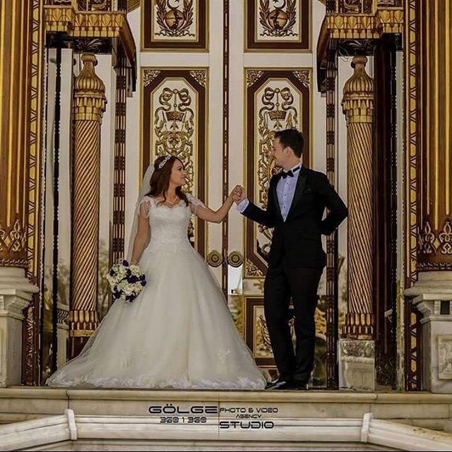 Sizin bu mutlu anınız da biz bu anları ölümsüzleștirmeye devam ediyoruz.  Paket, bilgi ve rezervasyonlar için DM  #wedding #weddingday #weddingstory #weddingphotography #weddingphotos #weddingphoto #weddingphotographer #instawedding #dugunfotografcisi ##dugunfotografi #submittopweddingphoto #weddingpics #weddingsider #düğün #ankara #turkiye #album #2017wedding #dışçekimfotoğrafçısı #ankaradüğün #ankaradugun #gelindamat #gelinlik…